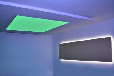 Svietiaci strop s LED