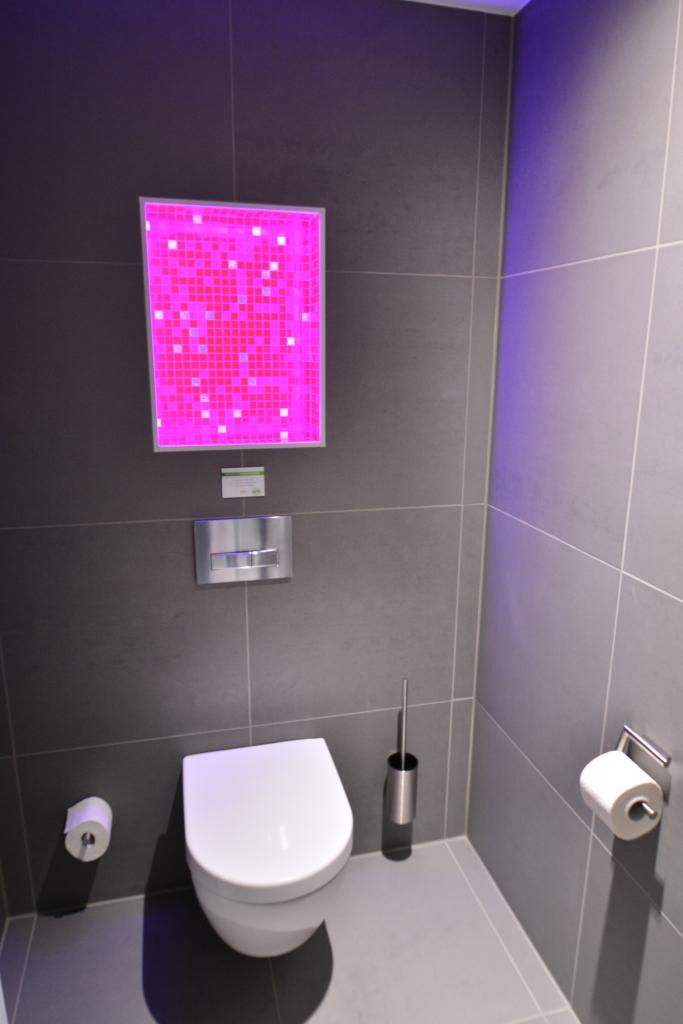 Led podsvietené WC