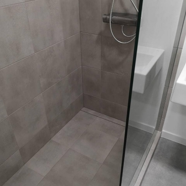 Rekonštrukcia malej kúpeľne - Sprchový kút