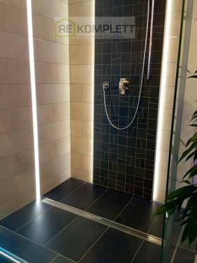 Sprchový kút s podsvietením
