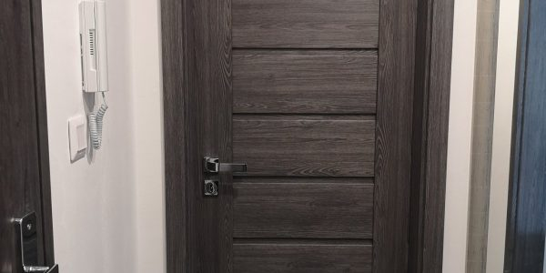 Interiérové dvere, rámové dvere, kľučka, sivé dvere, erkado, milla, jaseň grafit, presklenné