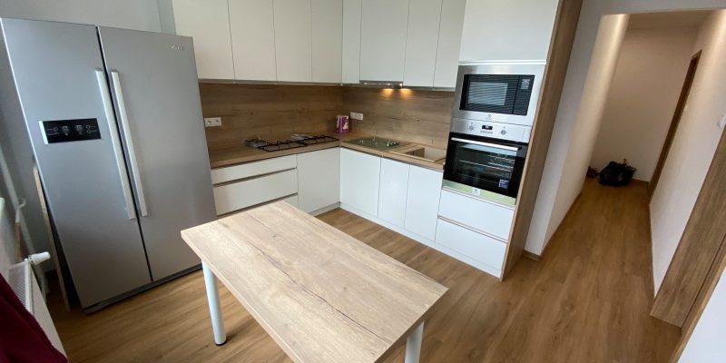 Rekonštrukcia kuchyne, REKOMPLETT Trnava, dvere, podlahy, dlažba, sprchový kút