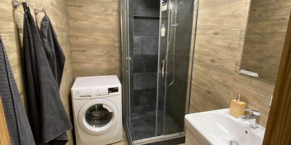 Rekonštrukcia kúpeľne, REKOMPLETT Trnava, dvere, podlahy, dlažba, sprchový kút