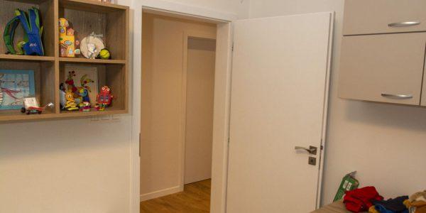 realizácie, dokončenie rodinného domu, dodávka a montáž, podlahy, interiérové dvere, kuchynská linka, kúpeľňové skrinky, obklad, dlažby, Rekomplett Trnava