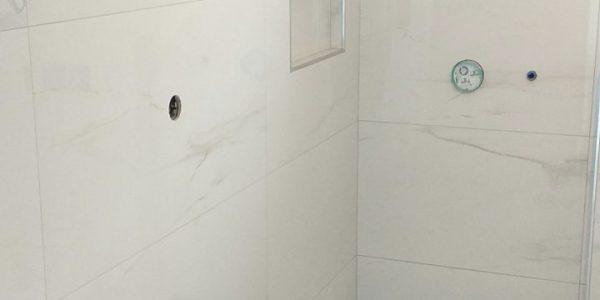 obkladanie, obklady, kupelna, rekonštrukcie, prerábky, rekomplett, trnava, toaleta